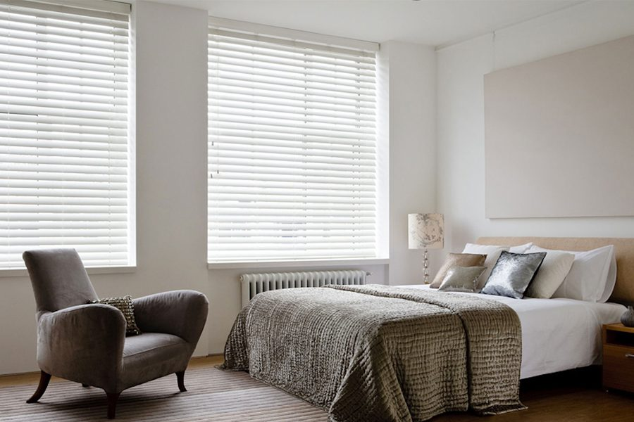 bedroom venetian blinds