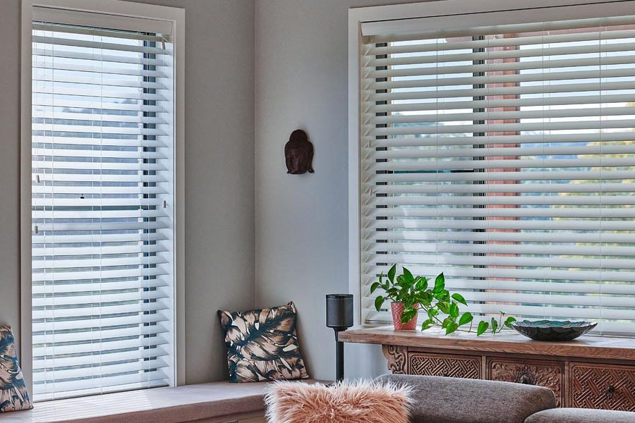 hall venetian blinds